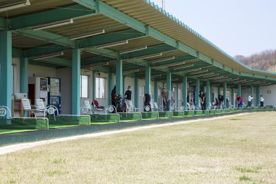 三共サービスが運営するゴルフ練習場。仁賀保インターすぐそば、絶好のロケーションです。